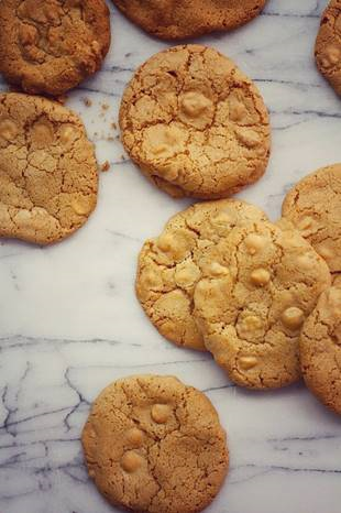 white-chocolate-ginger-cookies
