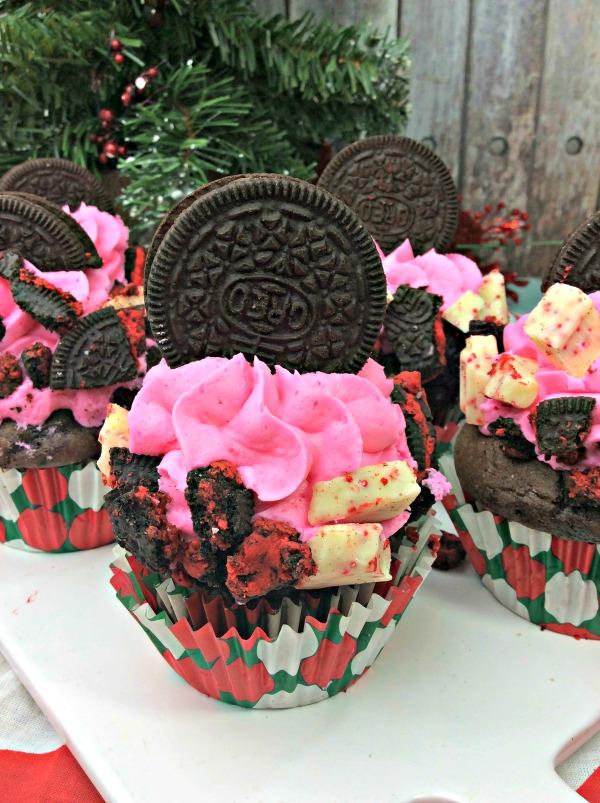 peppermint oreo cupcakes