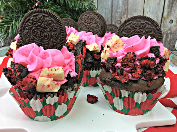 Peppermint Oreo Cupcakes